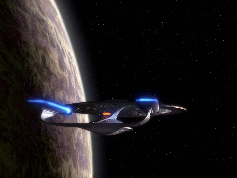 Enterprise-D im Orbit von Delta Rana IV.jpg
