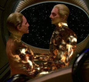 Odo and the female Changeling link together (2374)