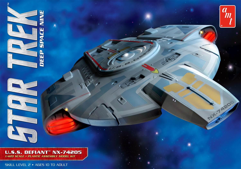 AMT Model kit AMT845 USS Defiant 2014.JPG