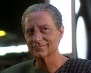 "Doctor Mora Pol (<a href=""/wiki/2370"" title=""2370"">2370</a>)"
