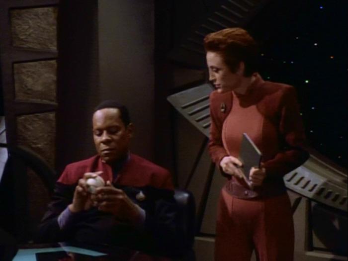 Kira berichtet über Neu Bajor.jpg