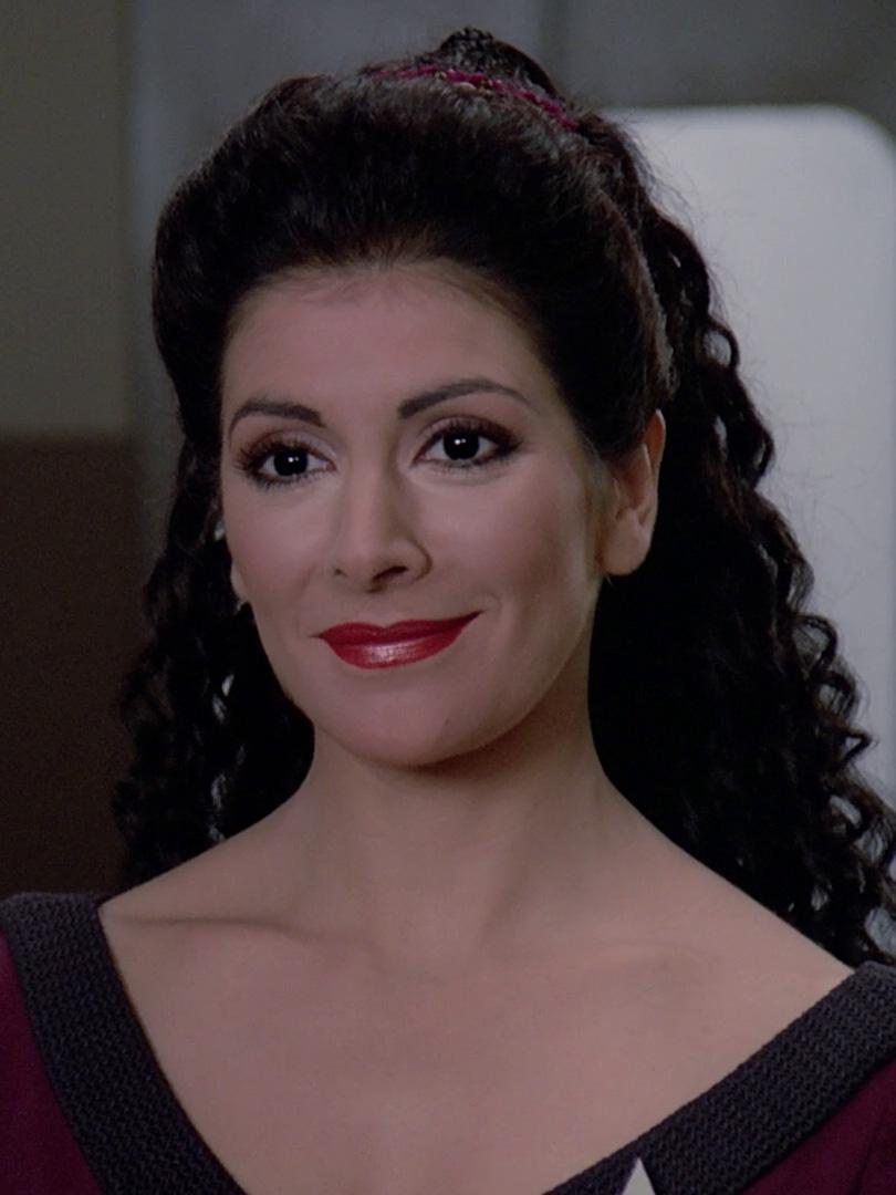 Deanna Troi 2365.jpg