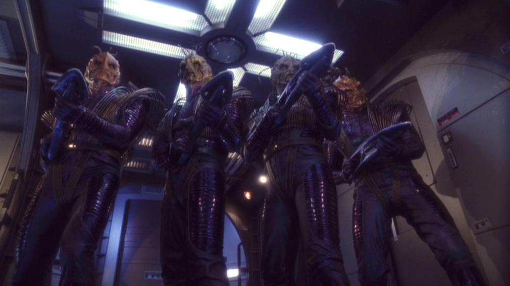 Xindi-Reptilianer dringen in die Enterprise ein.jpg