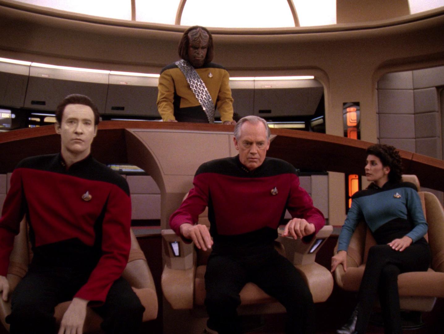Captain Jellico kommandiert die Enterprise.jpg