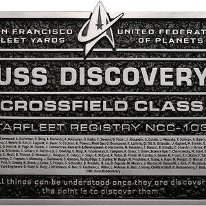 Eaglemoss USS Discovery Dedication Plaque.jpg
