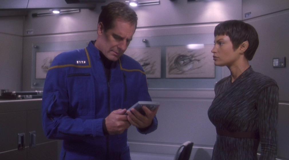T'Pol versichert Archer richtig gehandelt zu haben.jpg