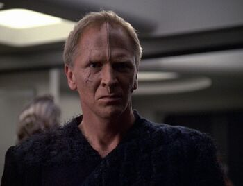 Lansor aboard Voyager in 2376