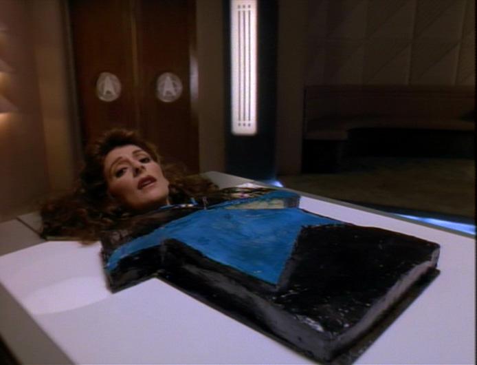 Counselor Deanna Troi als Kuchen.jpg