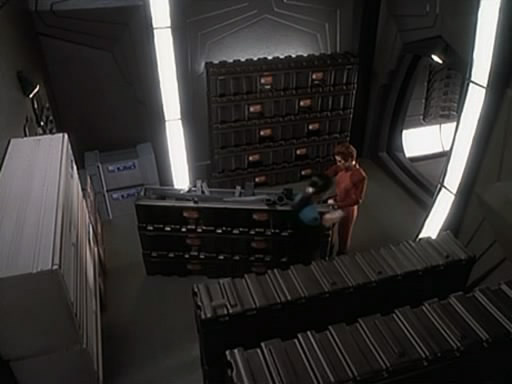 Waffenlager 4 auf Deep Space 9.jpg