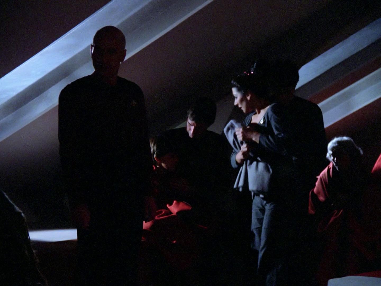 Die Besatzung der Enterprise friert 2364.jpg