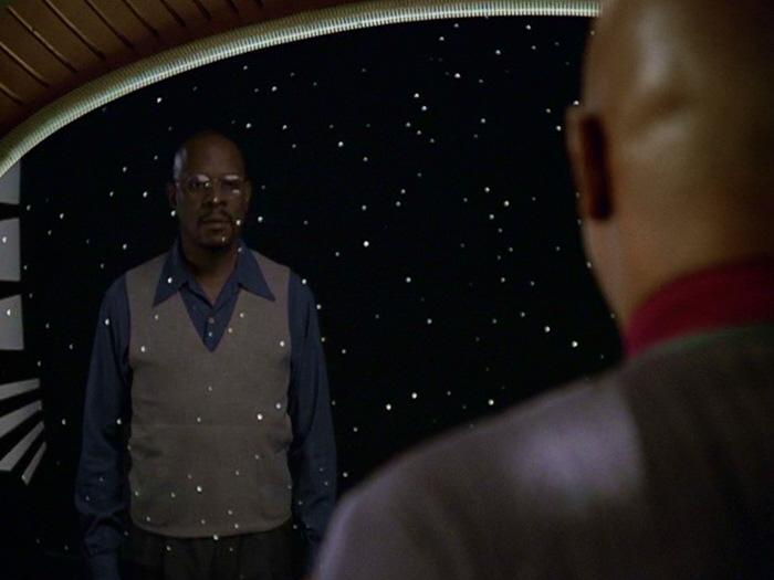 Sisko sieht Benny im Fenster.jpg