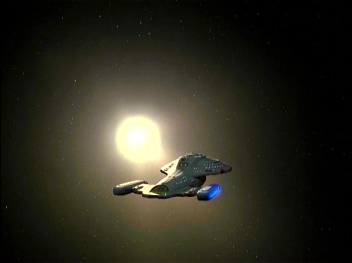 Voyager im Vorbeiflug mit Stern an Backbord.jpg