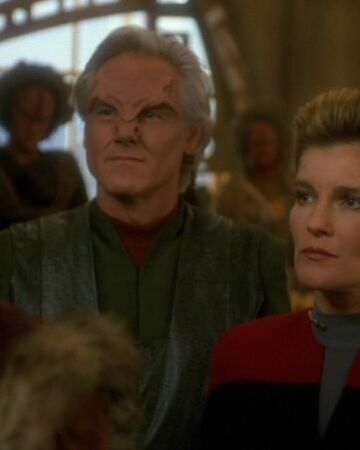 Mabus and Janeway meet with the Kazon.jpg