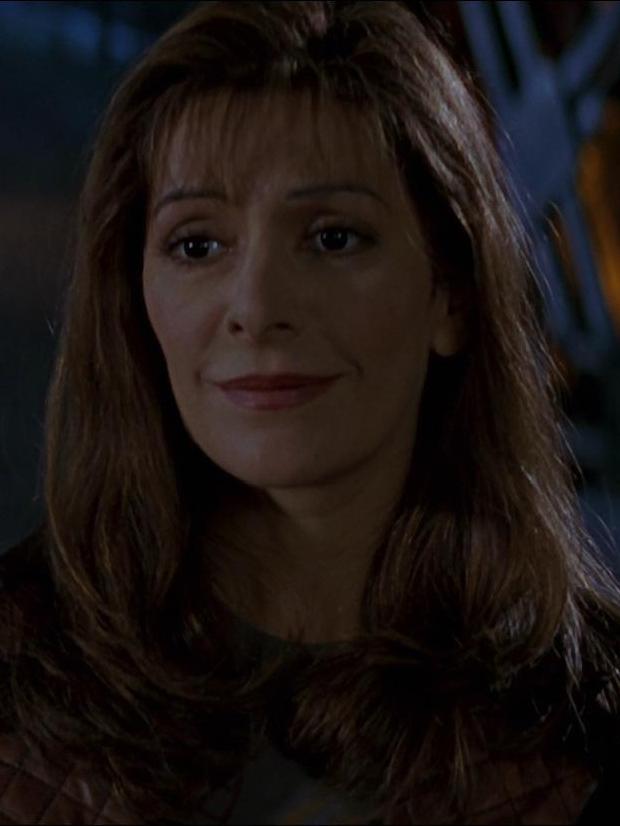 Deanna Troi im Jahr 2063.jpg