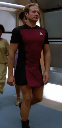Enterprise-D lieutenant in skant.jpg