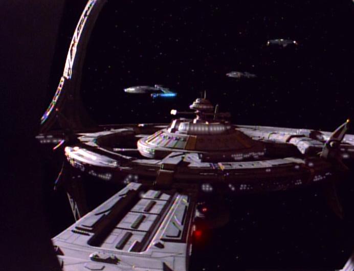 Föderationsschiffe bei DS9.jpg