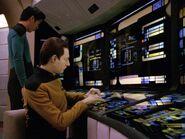 Data arbeitet an Wissenschaftsstation 2