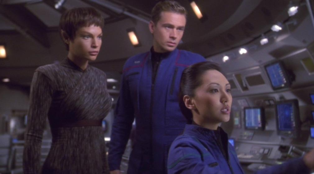T'Pol, Tucker und Sato scannen nach Archer und Reed.jpg