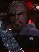 Worf an Bord der Enterprise-E 2375