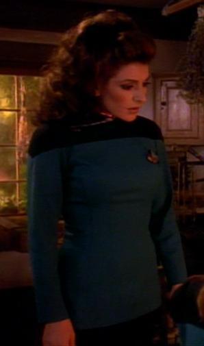 Deanna Troi in Galauniform.jpg