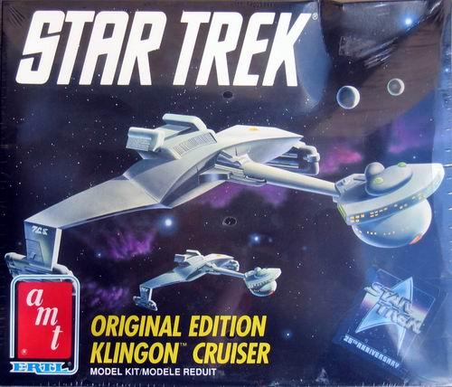 AMT Model kit 6743 Klingon Cruiser 1991.jpg