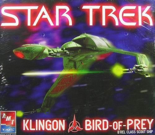 AMT Model kit 38389 Klingon Bird of Prey 2005.jpg
