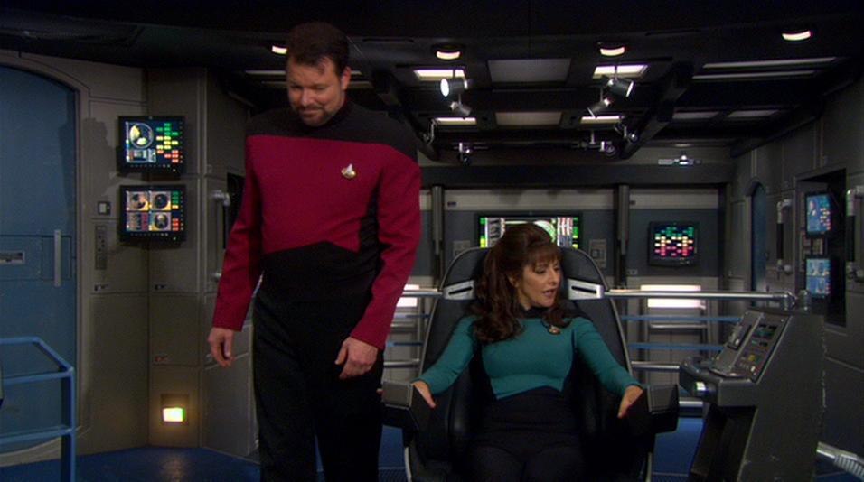 Riker und Troi an Bord der (NX-01).jpg