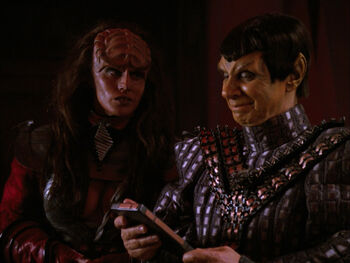 B'Etor and General Movar collaborating during the Klingon Civil War in 2367