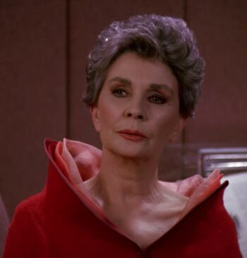 Jean Simmons as Rear Admiral Norah Satie