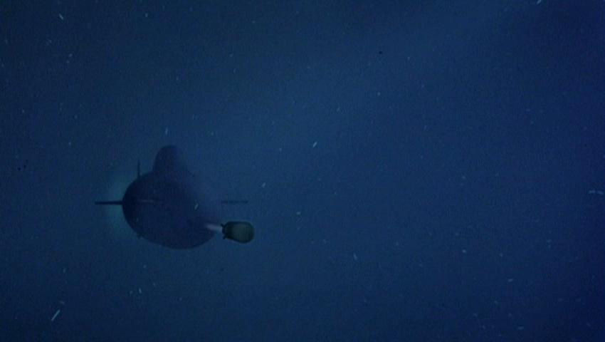 Unterseeboot schießt Torpedo.jpg