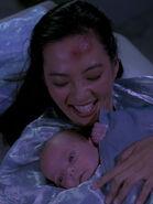 Keiko und Molly O'Brien nach der Geburt