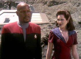 Sisko and Kilana.jpg