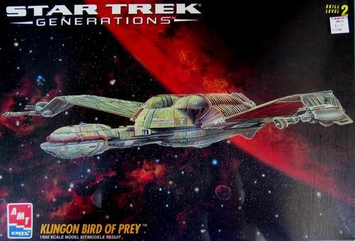 AMT Model kit 8230 Klingon Bird of Prey 1995.jpg
