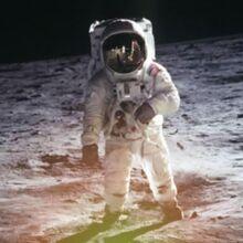 Edwin Aldrin auf Luna.jpg