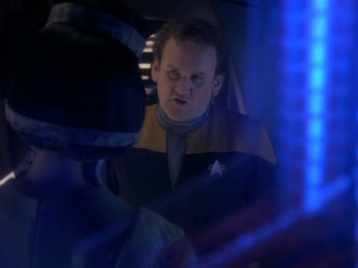 O'Brien erklärt dass er Chefingenieur ist.jpg