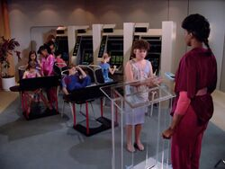 Schule an Bord der Enterprise.jpg