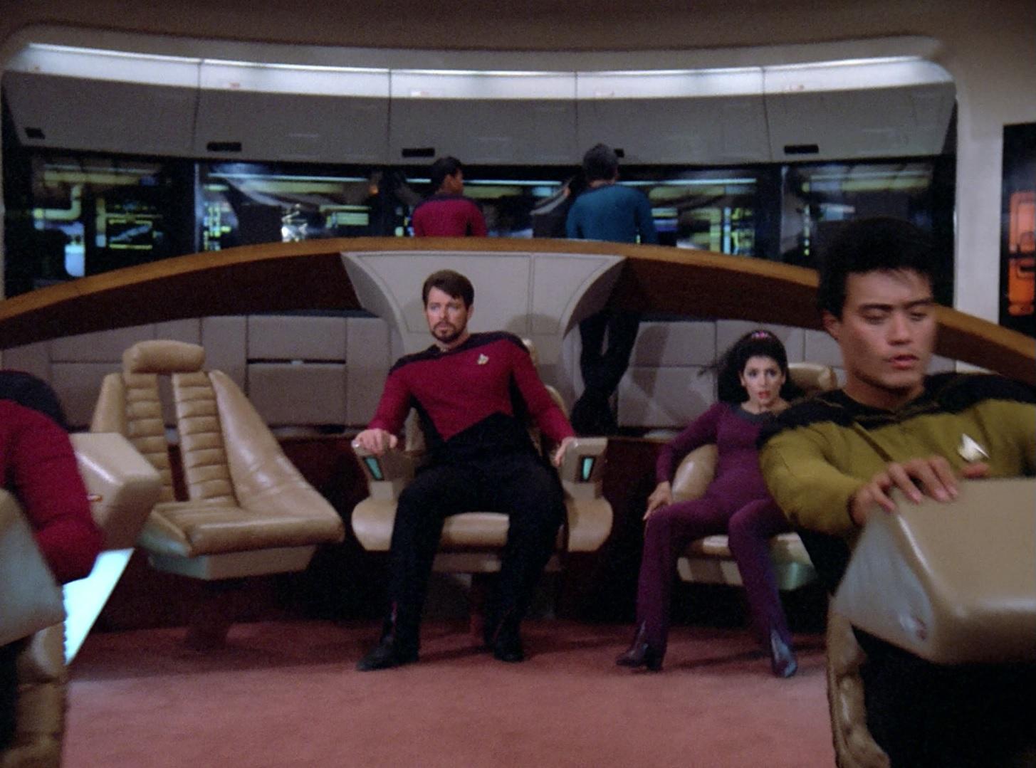 Enterprise unter der Kontrolle von Moriarty.jpg