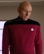 Picard en grande tenue en 2367