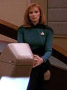 Hologramm von Beverly Crusher 2366 auf der Brücke