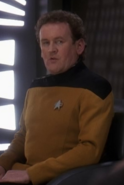 O'Brien en uniforme d'apparat