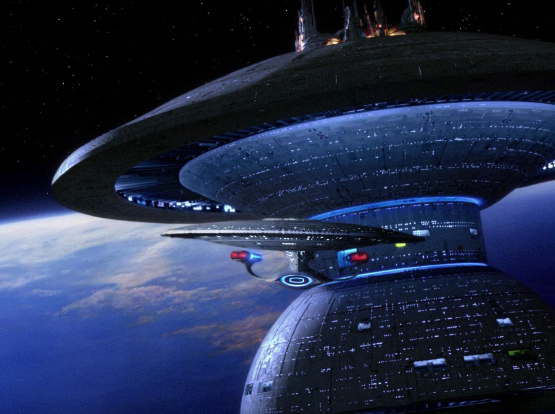 Enterprise verlässt Sternenbasis.jpg