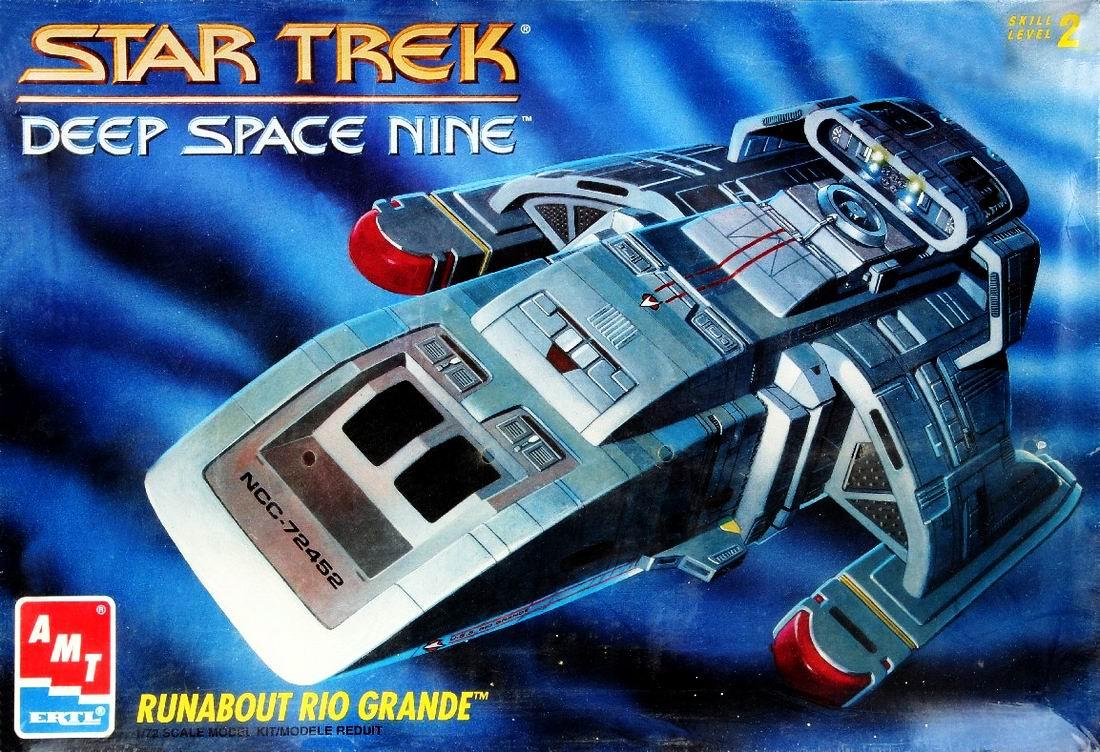 AMT Model kit 6741 USS Rio Grande 1993.jpg