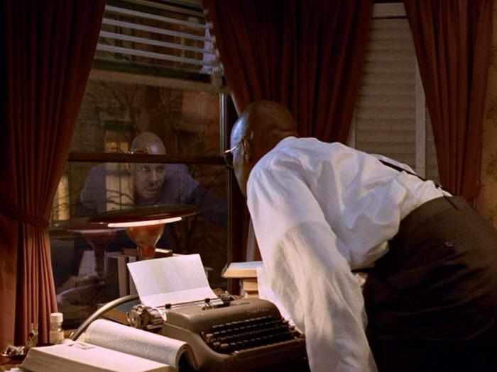 Benny Russell sieht Benjamin Sisko.jpg
