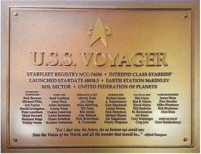 Raumschiffsammlung Widmungsplakette Voyager.jpg
