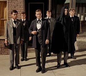 Kirk et ses officiers the return of the archons.jpg