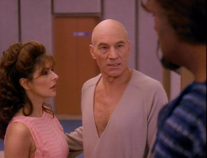 Picard erneut im Bademantel.jpg