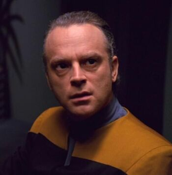 Brad Dourif as Lon Suder