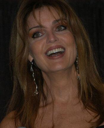 Tracy Scoggins