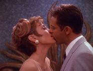 Bashir küsst Anastasia