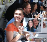Katie McGrath Comic Con 2012-3